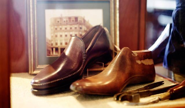 リーガルはアメリカで生まれたブランドで、日本製靴がのちに商標を買い取ったもの。写真は日本導入第一号の木型と靴