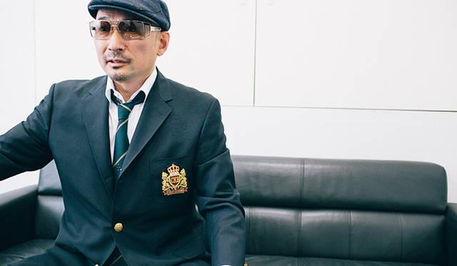 開演直前にインタビューに答えてくれたクレイジーケンバンドの横山剣氏