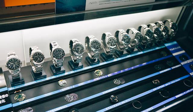 エントランス付近で、オシアナスの歴代モデルが展示されていた