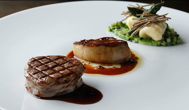 「ネオクラシックコース」<Br / > 黒毛和牛フィレ肉のロッシーニ風 ポテトのニョッキ<Br / > グリーンアスパラガス ソースペリグー<Br / >