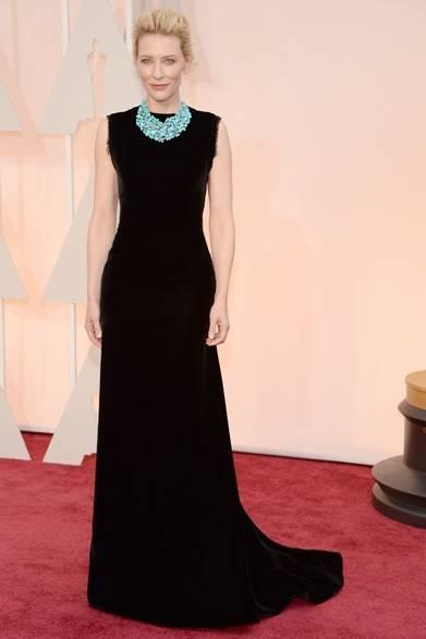 <strong>Cate Blanchett|ケイト・ブランシェット</strong></br></br>  ケイト・ブランシェットが着こなすブラックドレスは、ジョン・ガリアーノが彼女のために手がけたもの。</br></br>  ドレス:メゾン マルタン マルジェラ オートクチュール</br> ネックレス:ティファニー</br> クラッチバッグ:ロジェ ヴィヴィエ </br></br>Photo credit: Getty Images