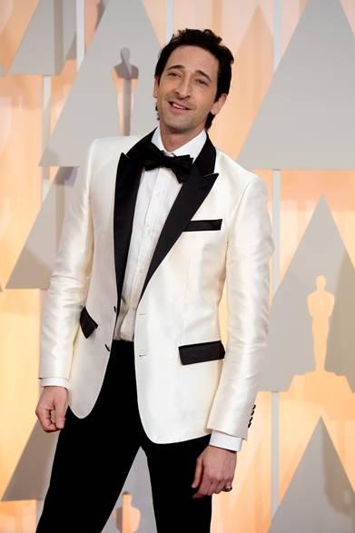 <strong>Adrien Brody|エイドリアン・ブロディ</strong></br></br>  今回のアカデミー賞に、最多9部門でノミネートされた映画『グランド・ブダペスト・ホテル』に出演した俳優のエイドリアン・ブロディ。 </br></br>  タキシード:ドルチェ&ガッバーナ