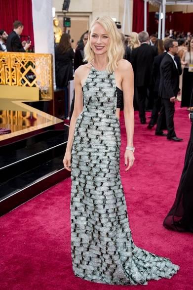 <strong>Naomi Watts|ナオミ・ワッツ</strong></br></br>  プレゼンターを務める女優のナオミ・ワッツ。</br></br>  ドレス:アルマーニ プリヴェ</br> クラッチバッグ:ラウヴォルフ