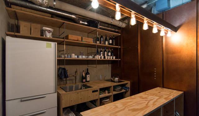 玄関を入って左側にスッキリ整理されたキッチンがある