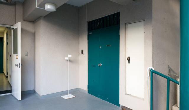 新事務所は築40年ほどのマンションの約70平米ほどのL字空間をリノベーションした