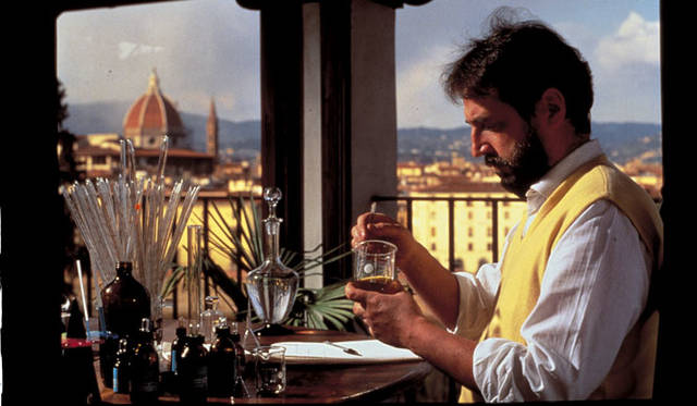 <strong>LORENZO VILLORESI|ロレンツォ・ヴィロレッツィ</strong><br />調香師、ロレンツォ・ヴィロレッツィ氏