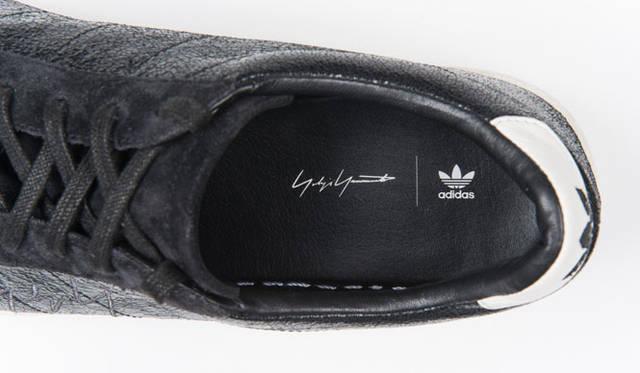 <strong>Yohji Yamamoto|ヨウジヤマモト</strong><br />「adidas SS Metallic by Yohji Yamamoto」3万8880円