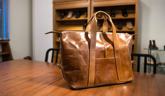 <strong>LAKOTA|ラコタ</strong><br />HORWEEN(ホーウィン)社コードバンを3頭分(!)使用