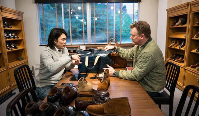 <strong>LAKOTA|ラコタ</strong><br />3月15日にオープン1周年を迎えた「TODD SNYDER TOWN HOUSE」でぜひ実物を手にとってみてください