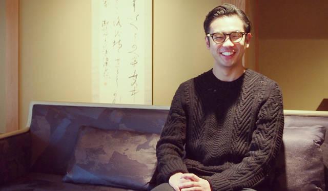 今回のゲストは、元禄元年(1688年)創業の西陣織の老舗に生まれた細尾真孝さん。20代のころまでは家業を継ぐつもりはさらさらなく、大好きな音楽にアートとファッションをミクスチャーするような活動をしていたと言う。そんな細尾さんが日本の伝統工芸のクリエイティブさに目覚め、家業を継ぐ決意をしたのは数年前。いまでは他の伝統工芸の若き後継者たちとプロジェクトユニットを組み、これまでにないあたらしい日本の美を生み出している。現在その取り組みは、国内外から大きな注目を浴びている