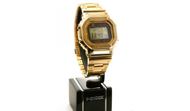 会場には、コンセプトモデルとして、18Kイエローゴールド仕様のG-SHOCKが展示されていた。液晶部分の罫線までゴールドでした。価格は未定