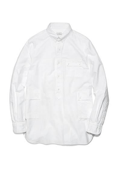 <strong>NICK WOOSTER + UNITED ARROWS</strong><br />オックスフォード地のプルオーバーシャツ。1万9440円