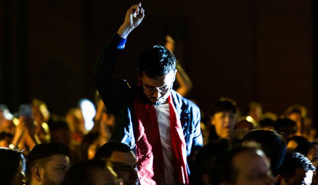 「レフェルベソンス」の生江シェフ。12位と発表された瞬間、大きく右手をあげた