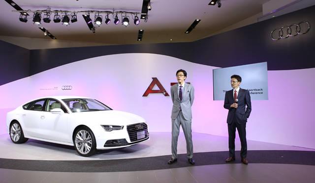 アウディ ジャパン代表取締役社長の大喜多寛氏(左)と、広報部部長の丸田靖生氏(右)