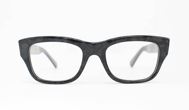 <strong>Continuer|コンティニュエ</strong><br />Oliver Goldsmith for Continuer「CONSUL-50」(Marble Black)2万9160円