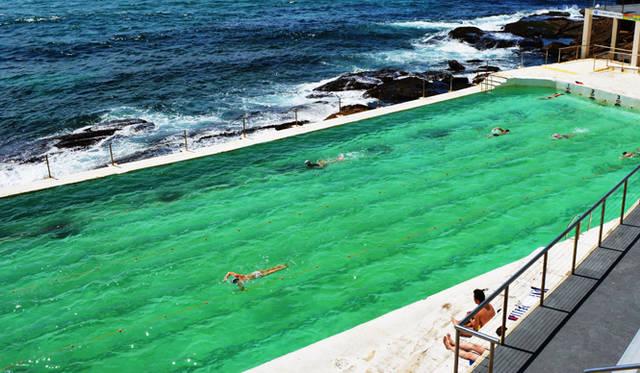 <br> ボンダイビーチの絶景プールに感動