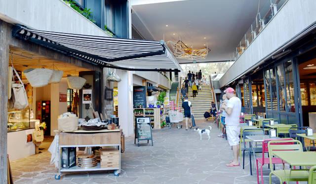 "<br> <a href=""/article/952382/2#adina""  class=""link_underline"">Adina Apartment Hotel, Bondi Beach</a>の階下には、グルメなスーパーやカフェなどがあり便利"