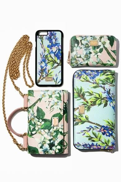 (左上から時計回りに)iPhone Case 2万1600円、Wallet 3万8880円、Wallet  6万8040円、Phone Bag 11万8800円