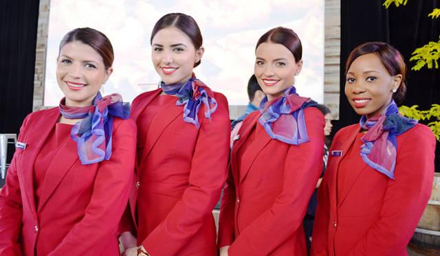 <br />国内線はヴァージン・オーストラリアが協賛。美人クルーたちも登場
