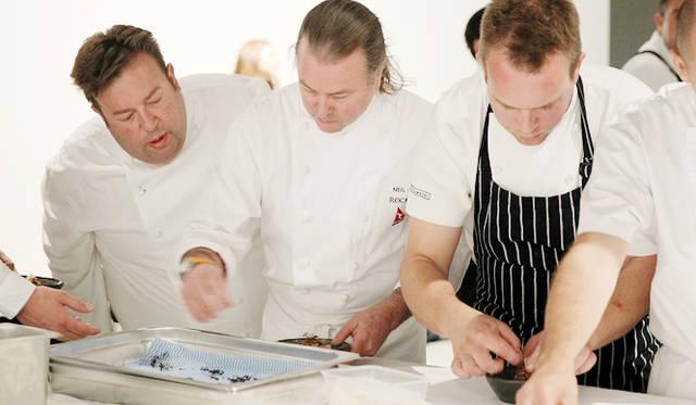 <br />3人のシェフがそれぞれ前菜、メイン、デザートを担当する豪華すぎるコラボレーション