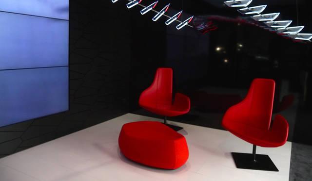 2010年よりアウディの傘下にあるイタルデザインが手がけたチェア
