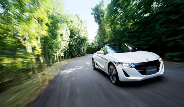 ホンダ「ビート」の現代版としてついに発売が開始された「S660」。ミニバンから本格スポーツモデルまで、軽自動車のラインナップはこれまでにないバラエティに富んだ時代を迎えている