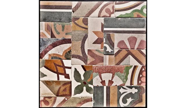 レンジフード「Tile(タイル) 」のテキスタイル。「タイル」は、ピエロ・リッソーニ氏とイタリアのタイルメーカー、ドメニコ・モーリ社とのコラボレーションによって生まれた。アンティークタイルを利用している