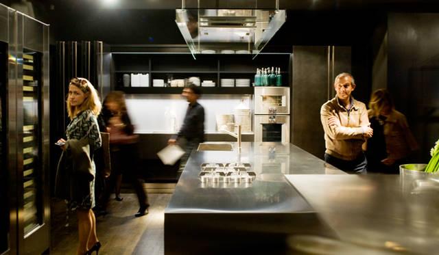 キッチン(手前)「Aprile 」  by Piero Lissoni + CRS Boffi(2010)<br>キッチン(奥)「Hide 」by Piero Lissoni + CRS Boffi(2015)