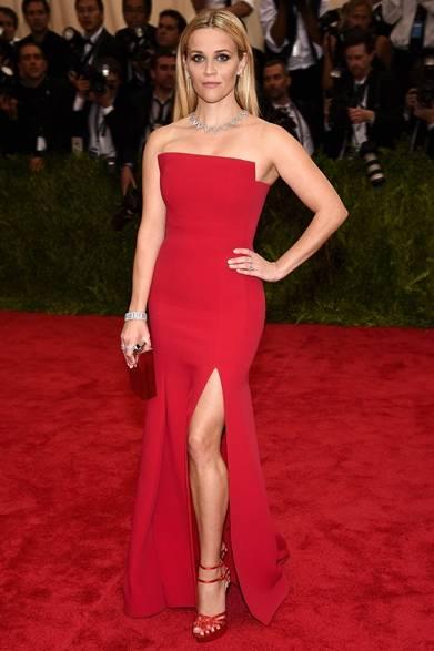 ドレス:ジェイソンウー<br /> ジュエリー:ティファニー<br /> Dimitrios Kambouris/Getty Images