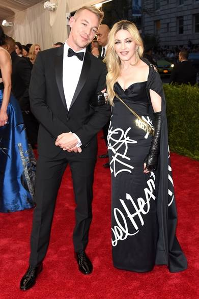On Madonna<br /> ドレス:モスキーノ