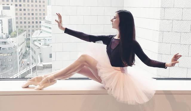 指先まで意識することで、優雅な身のこなしに<br />courtesy of Mary Helen Bowers, Founder of Ballet Beautiful