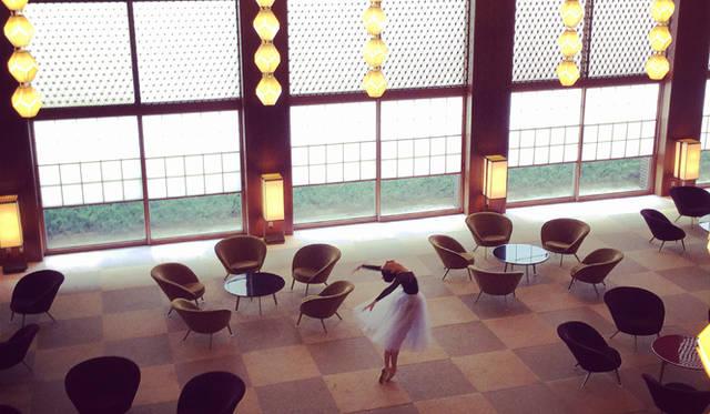 来日中にホテルオークラを訪問<br />courtesy of Mary Helen Bowers, Founder of Ballet Beautiful