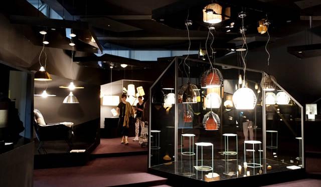 ディーゼルのアバンギャルドな世界が広がるブースでコラボレート作品も展示