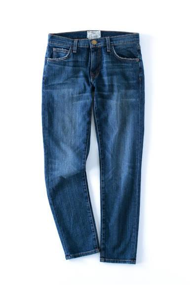<strong>Current Elliott|カレントエリオット</strong><br><br> カリフォルニア発のファッションブランド「カレントエリオット」の人気モデルのひとつ「The Fling」をピックアップ。定番のボーイフレンドデニムを細身にしたグロップドタイプは、ローウエストかつ、裾をロールアップしたラフな着こなしがおすすめ。3万6720円 STRASBURGO Tel. 0120-383-653