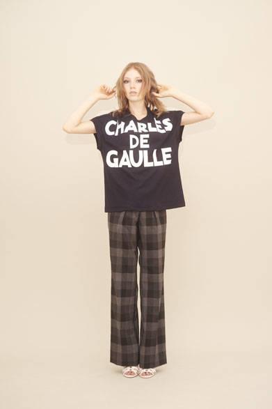 <strong>m's braque|エムズ ブラック</strong><br />Tシャツ1万6200円、パンツ3万6720円
