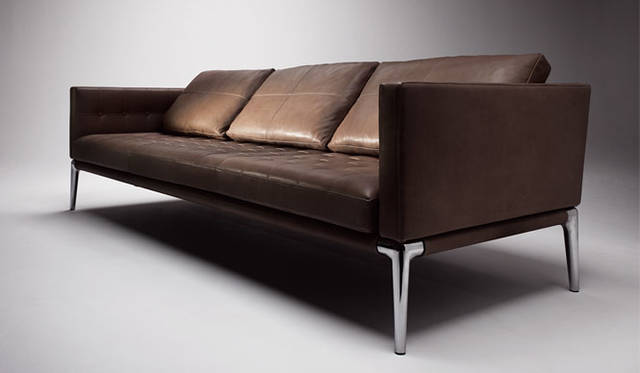 <strong>Cassina ixc.|カッシーナ・イクスシー</strong><br />張り地「EXCLUSIVE LEATHER(エクスクルーシブレザー)」VOLAGEソファ
