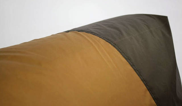 <strong>journal standard Furniture|ジャーナル スタンダード ファニチャー</strong><br />snow peak × journal standard Furniture<br?>「RODEZ CHAIR COVER TENT」2万7000円、「RODEZ CHAIR NUDE(本体)」4万1040円(7月中旬よりデリバリー開始)