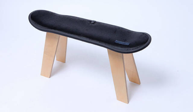 """<strong>STITCH JAPAN ステッチ ジャパン</strong><br />MADE BY SEVEN -REUSE-  LUXURY COLLECTION """"HAIR ON HIDE"""" SKATE DECK STOOL(""""ヘア オン ハイド"""" プライウッド デッキスツール)4万5360円"""