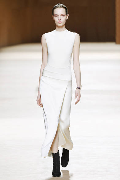 "<a href=""/brand/hermes"">Hermès|エルメス</a><br><br><a href=""/gallery/1014465"" class=""link_underline"">2015-16年秋冬 ウィメンズコレクション</a>"