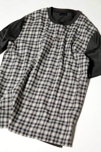 前身頃にのみプリントを施したTシャツは、アームと後身頃を切り替えて、よりグラフィカルな印象に。インナー使いはもちろん一枚で着ても絵になるアイテムだ。 <br><br>  Tシャツ5万5080円(百貨店限定) ※7月中旬入荷予定/ランバン<阪急メンズ大阪2階><阪急メンズ東京2階>