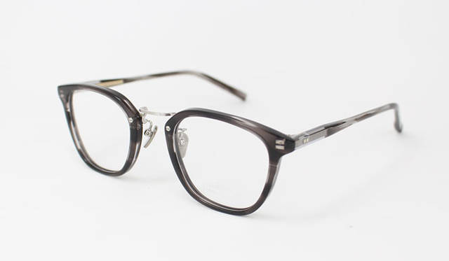 <strong>Continuer|コンティニュエ</strong><br />「ザ・パークサイド・ルーム」新色グレーを配した「tpr-002 06」3万1320円