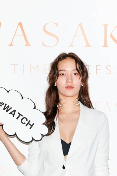 モデルの松岡モナさん