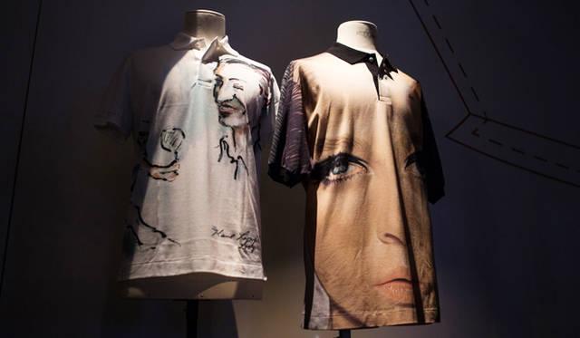 左はカール・ラガーフェルド、右はリチャード・フィリップスによるグラフィックをプリントしたポロシャツ。ともにビジュアルマガジン『VISIONAIRE』とのコラボレートにより誕生したアートピースレベルの名品