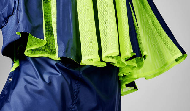 ナイキ ラボ × サカイ ウインドランナー スカート  2万7000円