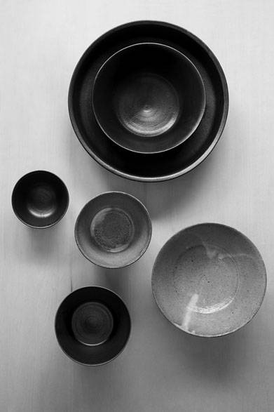 """<strong>さる山</strong><br />「寒川義雄+猿山修 """"series of ceramic works""""」展"""