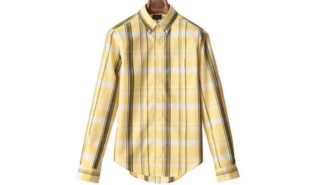 "「typewriter cloth big check bd shirts」<br /> タイプライター生地を使用したクラシックなビッグチェックボタンダウンシャツ。1万5120円<a class=""link_underline"" href=""http://rumors.jp/fs/rumors/harriss/g020290"" target=""_new"">(商品詳細はこちら)</a>"