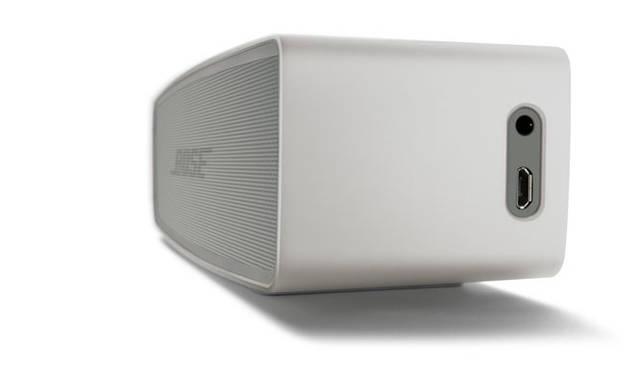 <strong>BOSE|ボーズ</strong><br />ワイヤレススピーカー「SoundLink&reg; Mini Bluetooth&reg; speaker  &#8545;」 3.5mmステレオミニプラグによる有線接続も可能な外部入力端子付き