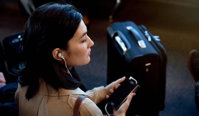 <strong>BOSE|ボーズ</strong><br />インイヤー型ノイズキャンセリング・ヘッドホン「Bose&#8482; QuietComfort&reg; 20 Acoustic Noise Cancelling headphones」