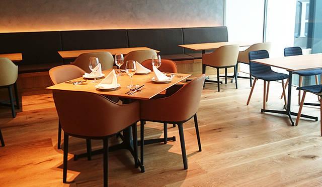 銀座・伊東屋 新本店ビル12F:「Cafe Stylo」は、朝8:00から営業。「銀座で味わう地産地消」をテーマのひとつに掲げ、11Fの「Farm 」で育てられた野菜を楽しむことができる