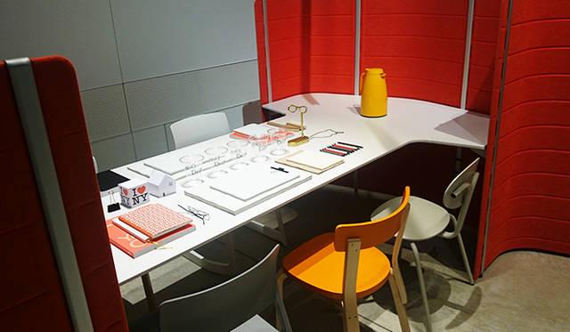 銀座・伊東屋 新本店ビルB1F:多目的ホール「Inspiration Hall」では、オープニングイベントとして、1950年創業のスイスの家具メーカー「vitra(ヴィトラ)」の最新オフィスファニチャーが展示される